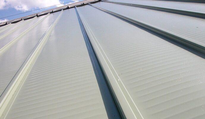 Aluminum Roofing-Wellington Pool Screen Enclosure Installation and Repairs-We do screen enclosures, patios,poolscreens, fences, aluminum roofs, professional screen building, Pool Screen Enclosures, Patio Screen Enclosures, Fences & Gates, Storm Shutters, Decks, Balconies & Railings, Installation, Repairs, and more